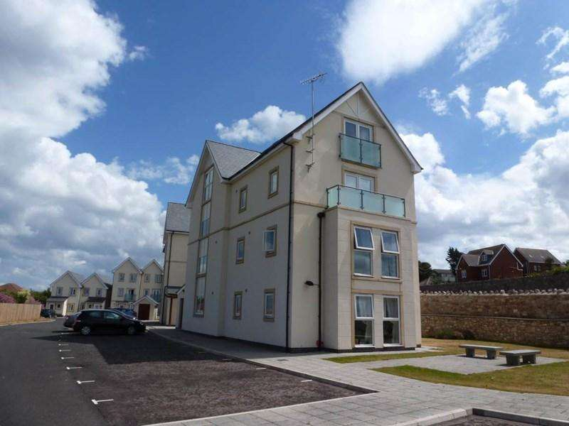 2 Bedrooms Apartment Flat for sale in 59 Clifftops Penmaen Bod Eilias, Old Colwyn