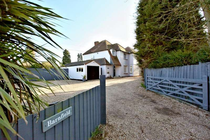 4 Bedrooms Detached House for sale in Maldon Road, Kelvedon, CO5 9BE