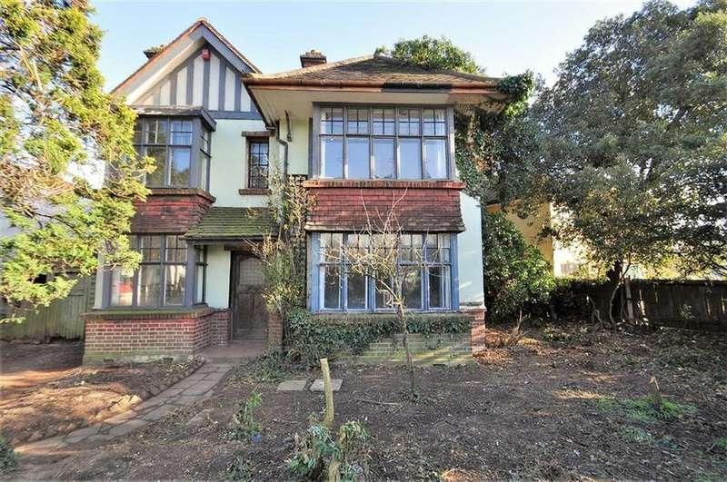 4 Bedrooms Detached House for sale in Danson Road, Bexley