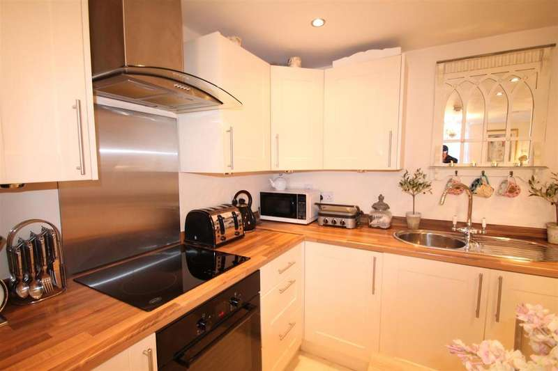 2 Bedrooms Apartment Flat for sale in Bird Street, Lichfield