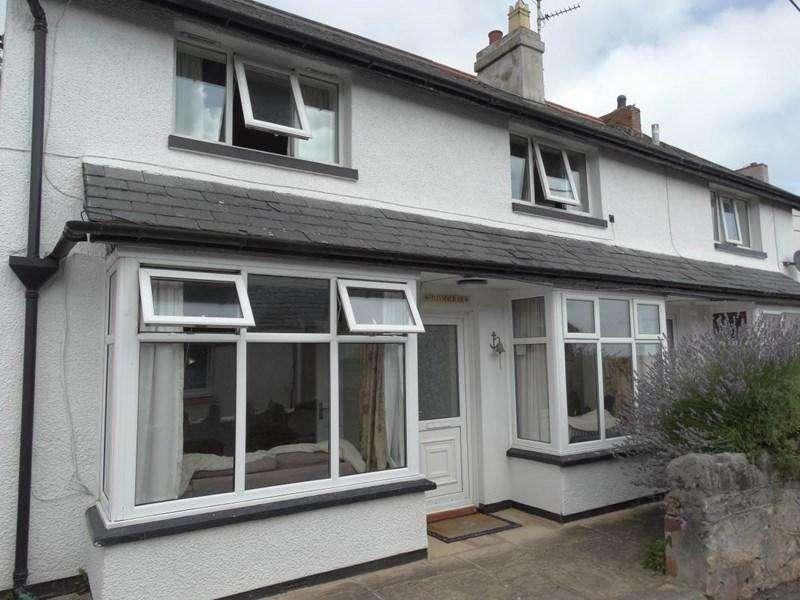 3 Bedrooms Semi Detached House for sale in 1 Llysfaen View Pendre Road, Penrhyn side