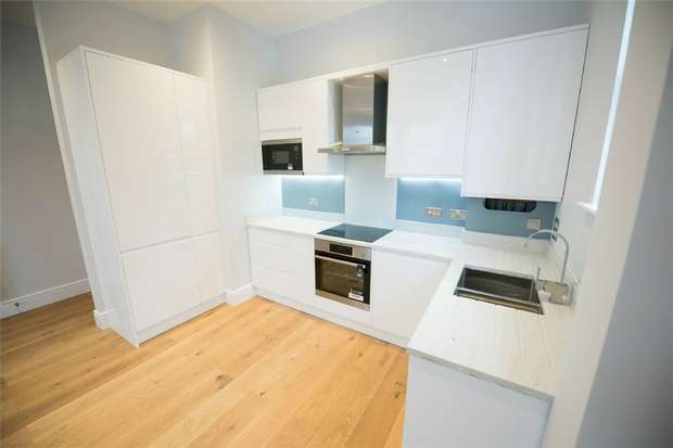 2 Bedrooms Flat for rent in Anerley Road, Anerley, London