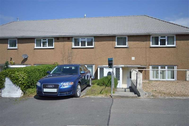 2 Bedrooms Flat for sale in Caergynydd Road, Waunarlwydd, Swansea