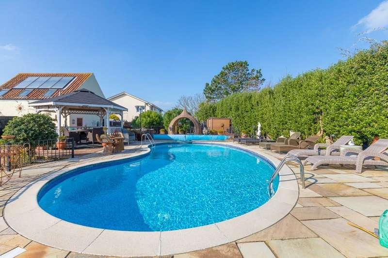 4 Bedrooms Cottage House for sale in Les Grandes Mielles Lane, Vale, Guernsey