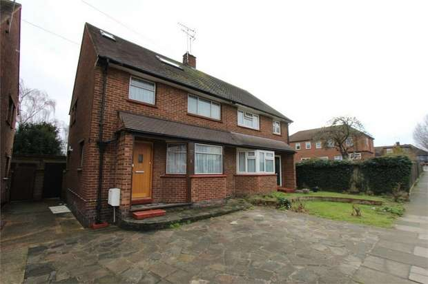 5 Bedrooms Semi Detached House for sale in 8 Rochester Drive, WESTCLIFF-ON-SEA, Essex