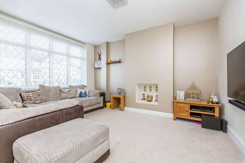 3 Bedrooms Terraced House for sale in Aylesford Avenue, Beckenham