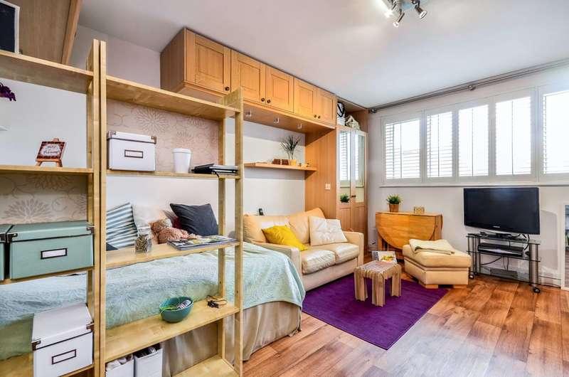Studio Flat for sale in Farm Lane, Fulham Broadway, SW6