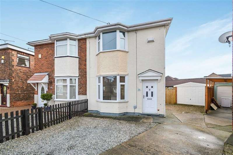 3 Bedrooms Semi Detached House for sale in Downs Crescent, Hull