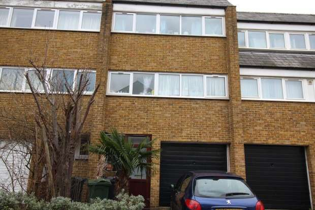 4 Bedrooms Terraced House for sale in Fyfield Road, Brixton, London, SW9