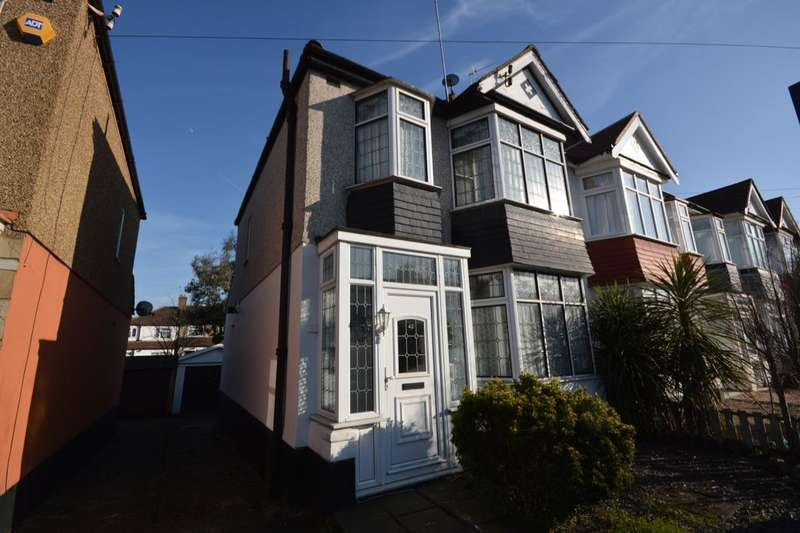 3 Bedrooms Property for sale in Bendmore Avenue, Abbey Wood , London, SE2