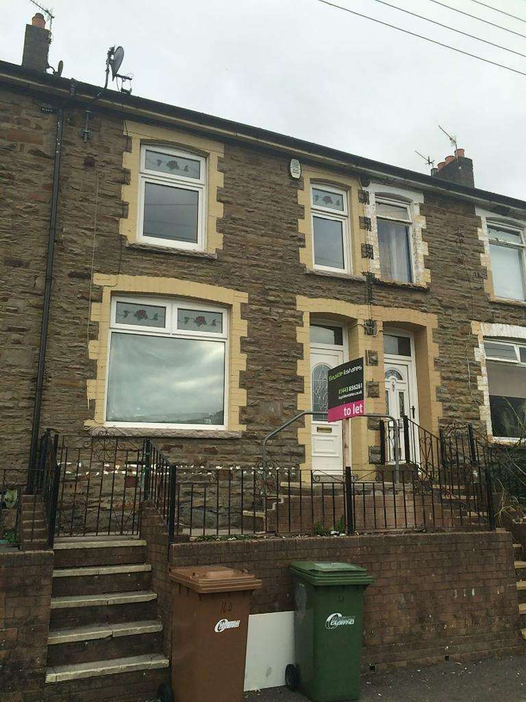 3 Bedrooms Terraced House for rent in Jubilee Road, New Tredegar