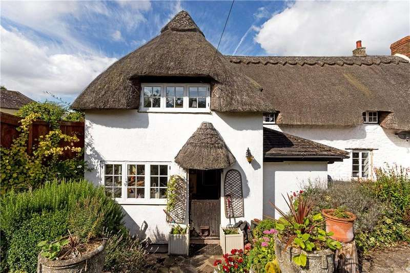 3 Bedrooms Semi Detached House for sale in The Green, Liddington, Swindon, Wiltshire, SN4
