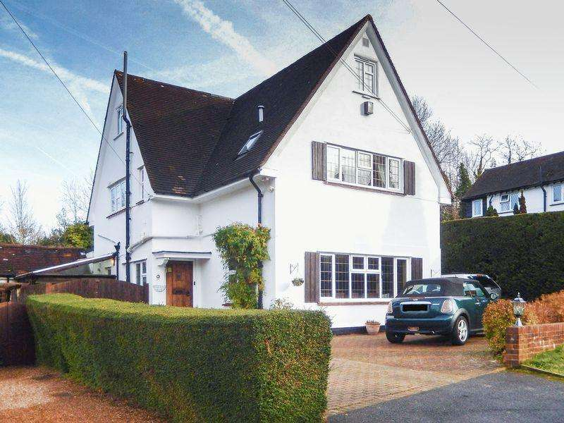 5 Bedrooms Detached House for rent in Stagbury Close, Chipstead