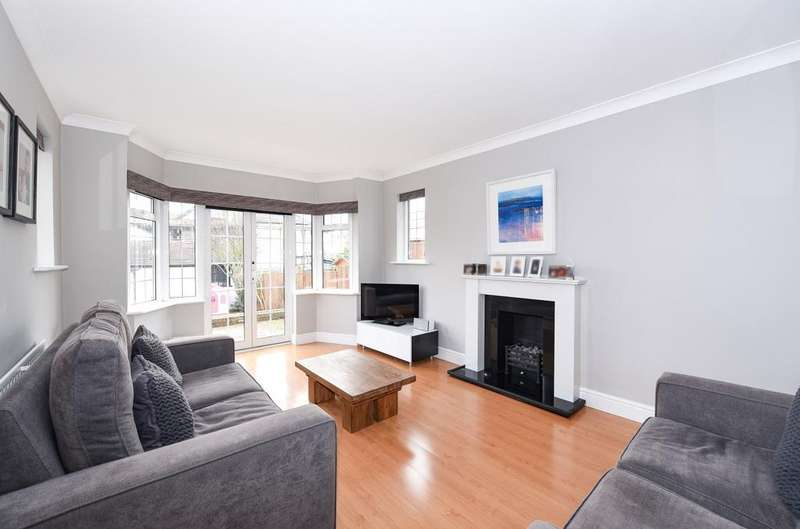 4 Bedrooms Detached House for sale in Cumberland Road Bromley BR2