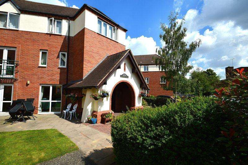 1 Bedroom Retirement Property for sale in Flat 26 Highbury Court, 15 Howard Road East, Kings Heath, B13 0RQ