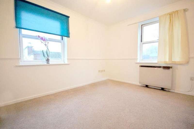 2 Bedrooms Flat for rent in 3E Stevenage Road, KNEBWORTH
