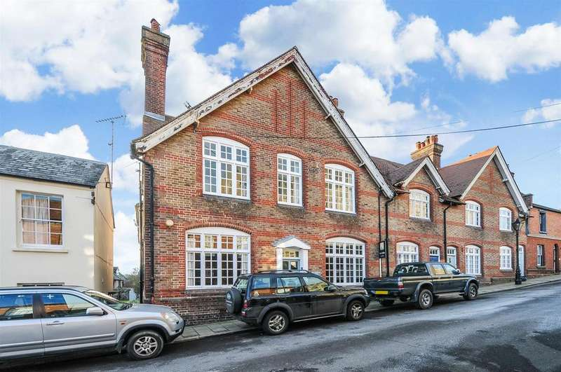 4 Bedrooms End Of Terrace House for sale in King Street, Arundel