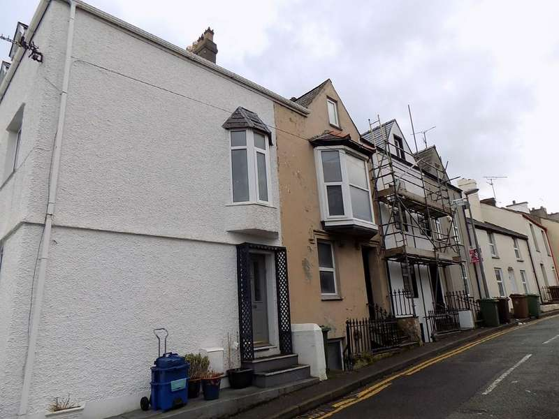 4 Bedrooms Terraced House for rent in 3 Upper Garth Road