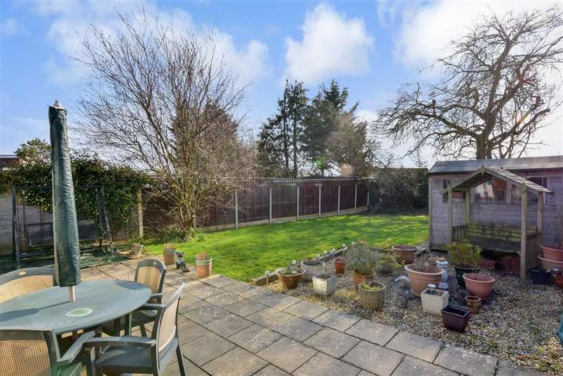 3 Bedrooms Detached Bungalow for sale in Kingsdown Road, , Waterlooville, Hampshire