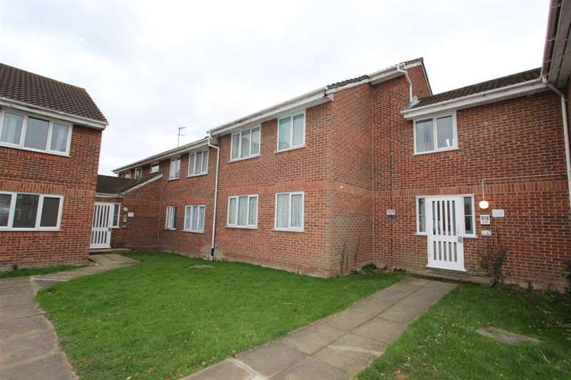 2 Bedrooms Apartment Flat for rent in Conway Gardens, Grays