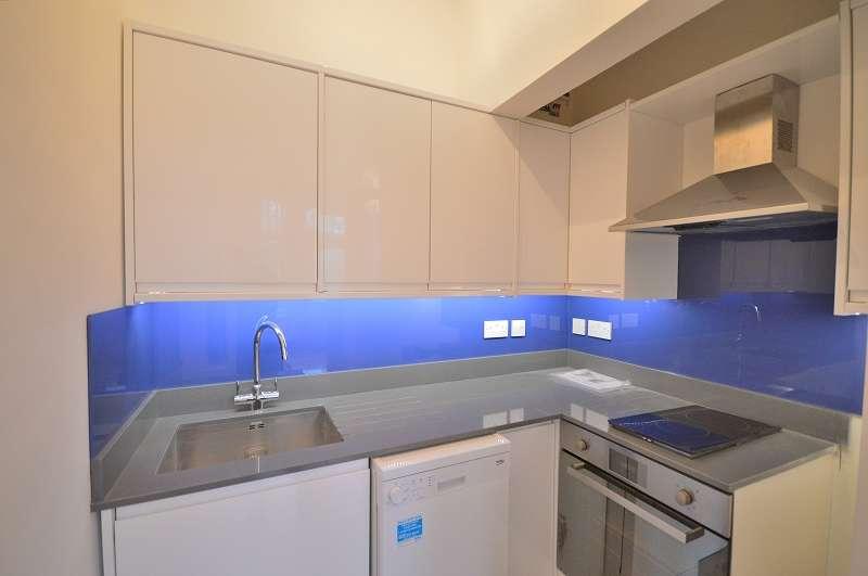 1 Bedroom Studio Flat for sale in Flat 4 Fox Lane, Palmers Green, London. N13