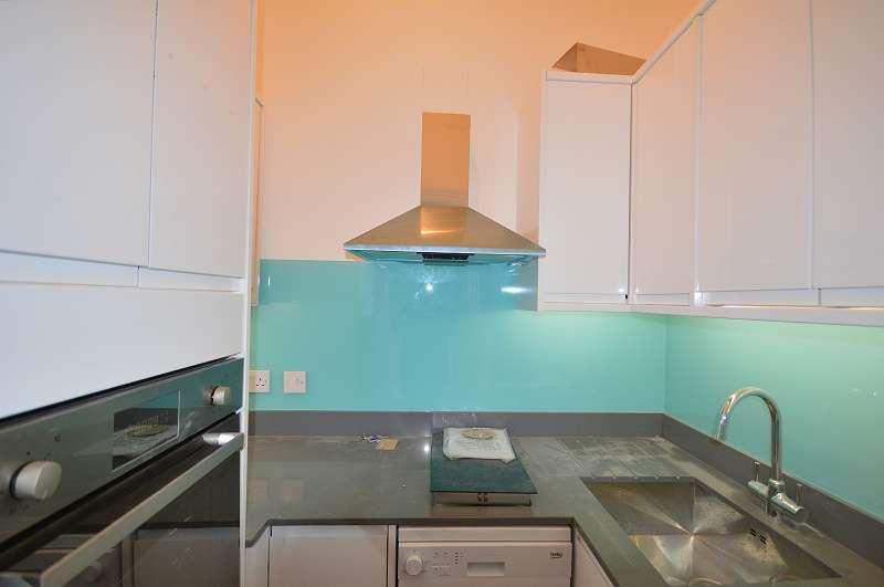 1 Bedroom Studio Flat for sale in Flat 5 Fox Lane, Palmers Green, London. N13