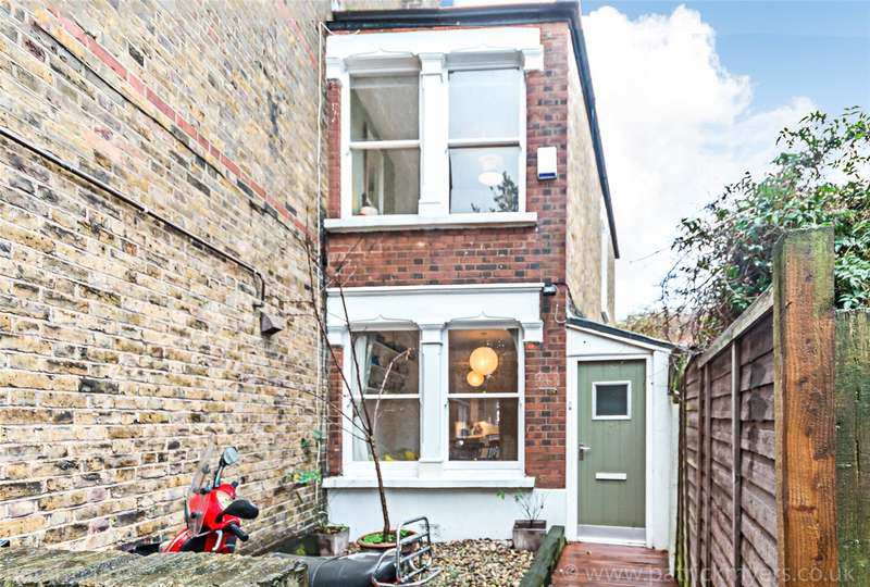 2 Bedrooms Semi Detached House for sale in Southwell Road, London, SE5