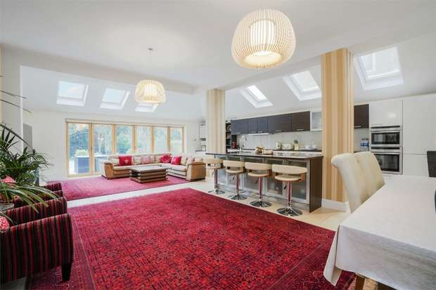 5 Bedrooms Detached House for sale in Twyford Avenue, Acton