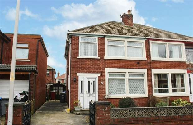 3 Bedrooms Semi Detached House for sale in Houseman Place, Blackpool, Lancashire