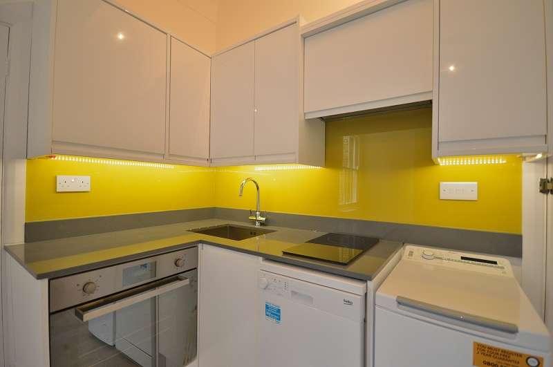 1 Bedroom Studio Flat for sale in Flat 2 Fox Lane, Palmers Green, London. N13