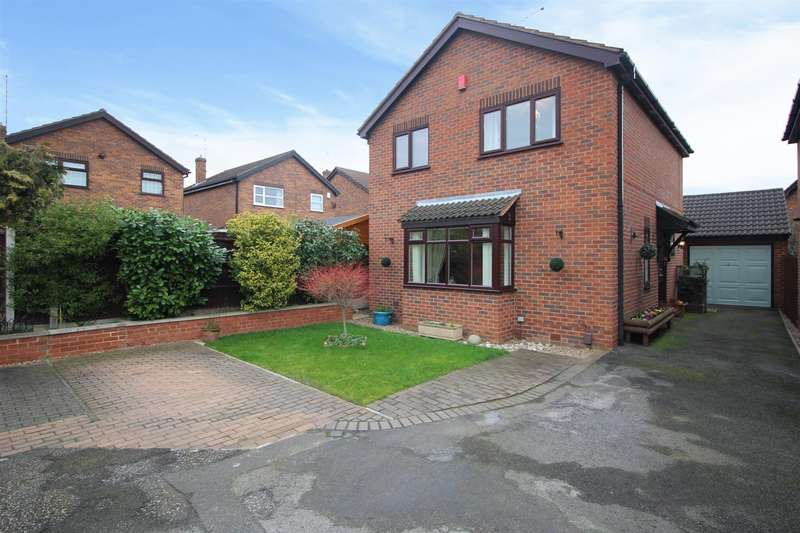 3 Bedrooms Detached House for sale in Tiree Close, Trowell, Nottingham