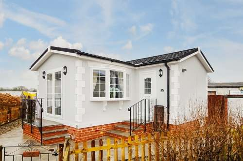 1 Bedroom Park Home Mobile Home for sale in Swanbridge Park, Dorchester