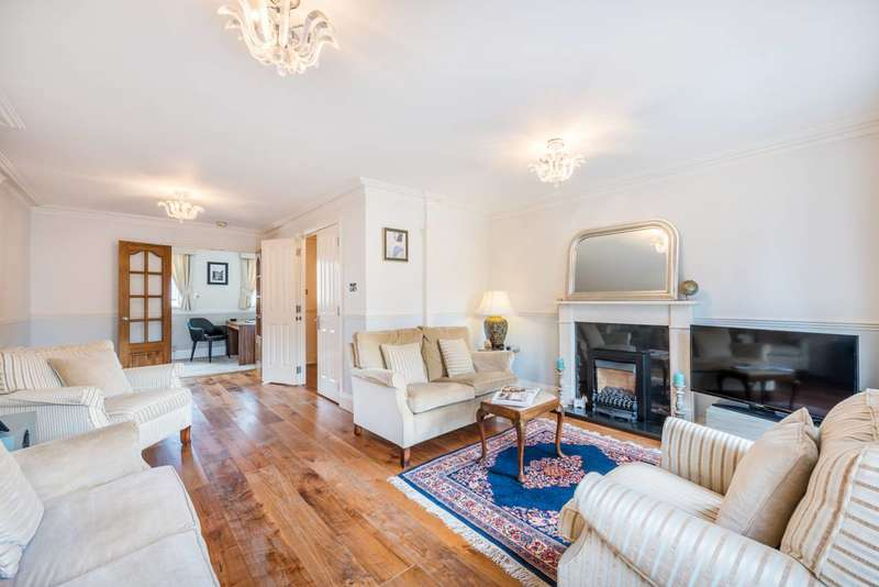 3 Bedrooms House for rent in Cookham Crescent, Rotherhithe, SE16
