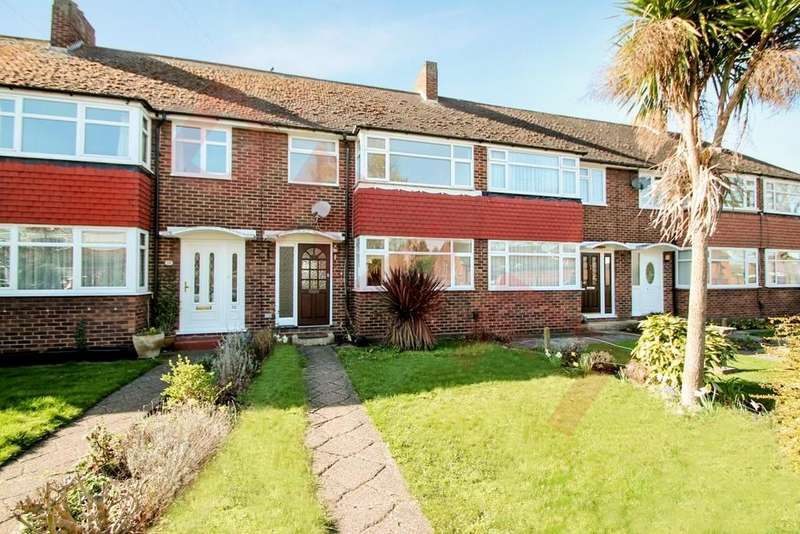 3 Bedrooms Terraced House for rent in Saxon Road, Ashford, TW15