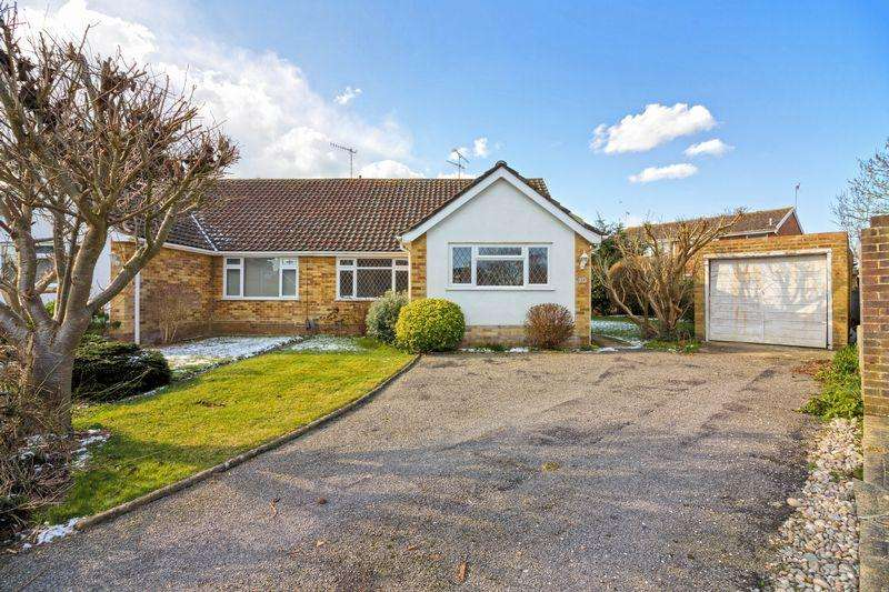 3 Bedrooms Bungalow for sale in Ainsdale Close, Worthing