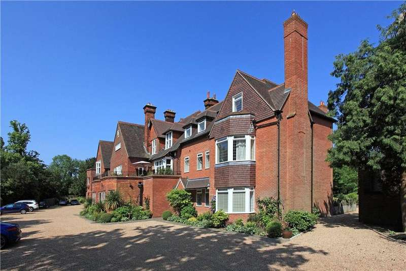 3 Bedrooms Flat for sale in Mapleton House, Mapleton Road, Four Elms, Edenbridge, TN8