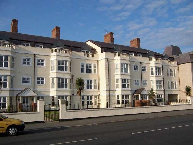 2 Bedrooms Apartment Flat for sale in Craig Y Don Parade, Craig Y Don, Llandudno, Conwy