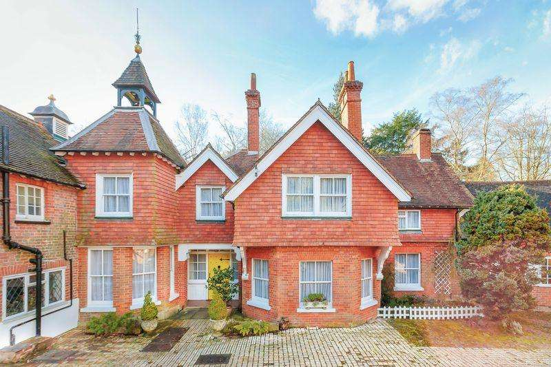 4 Bedrooms Semi Detached House for sale in Leith Hill Lane, Abinger Common