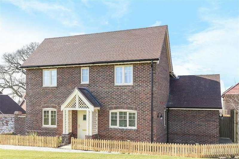 4 Bedrooms Detached House for sale in Knowle Park Lane, Fair Oak, Hampshire