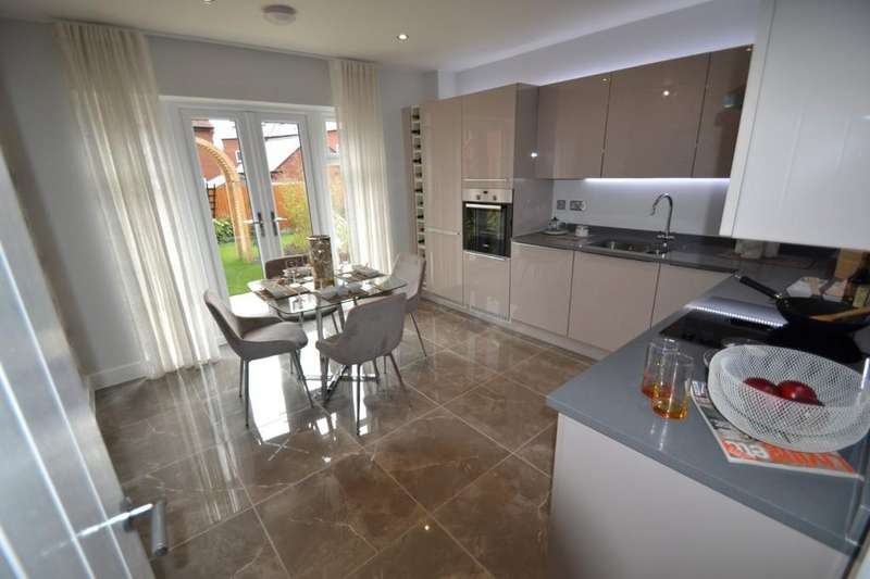 3 Bedrooms Semi Detached House for sale in The Glade, Winslow