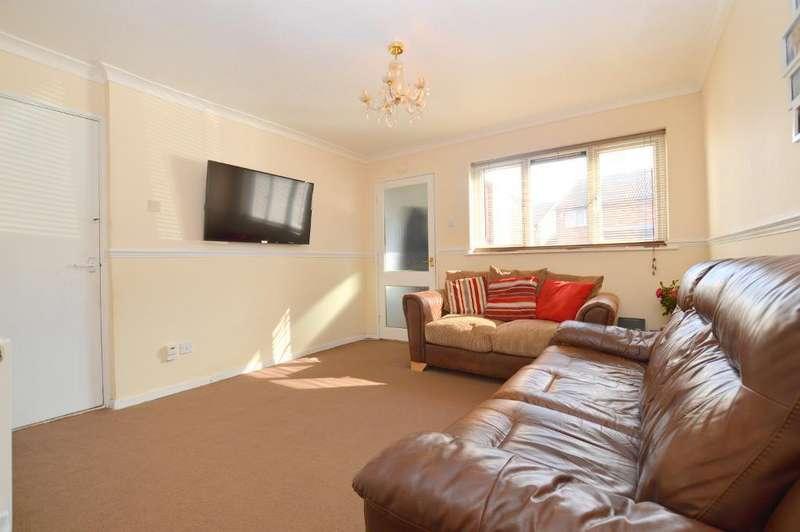1 Bedroom Maisonette Flat for sale in Enderby Road, Luton, LU3 2HQ