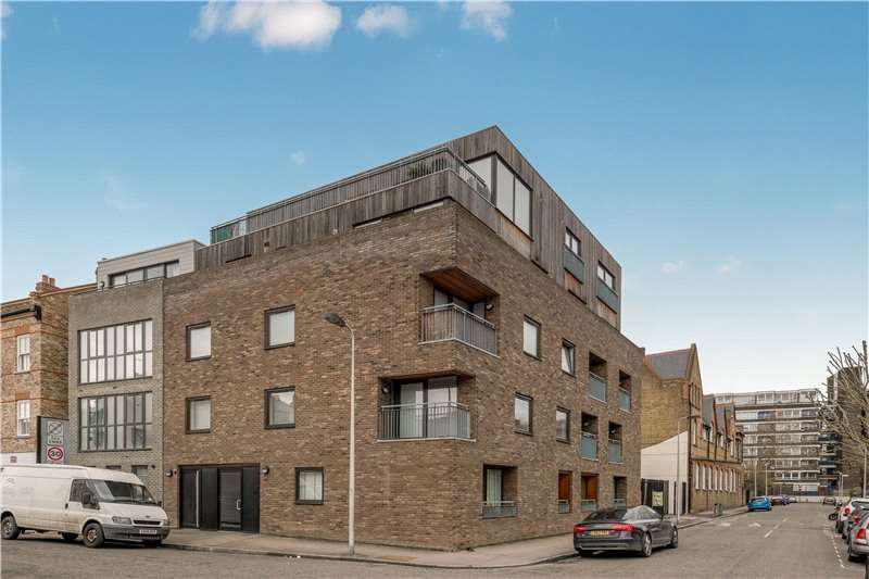 2 Bedrooms Flat for sale in Warham Street, Camberwell, London, SE5