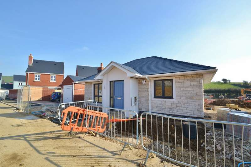 2 Bedrooms Bungalow for sale in Weymouth
