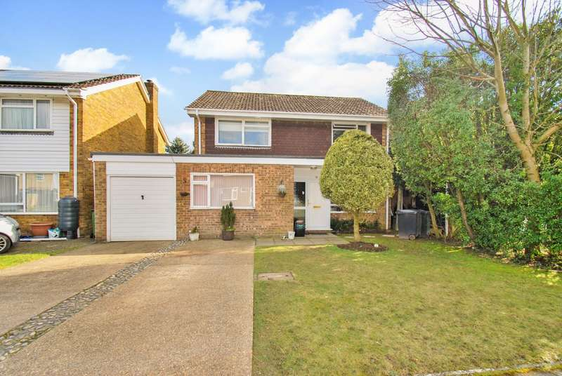 4 Bedrooms Detached House for sale in Partridge Close, Chesham, HP5