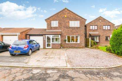 5 Bedrooms Detached House for sale in Welsby Close, Fearnhead, Warrington, Cheshire