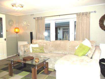2 Bedrooms Mobile Home for sale in Park Garage Mobile Homes, Agden Brow, Lymm, Cheshire