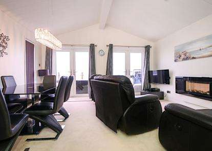 2 Bedrooms Mobile Home for sale in Torquay Road, Shaldon