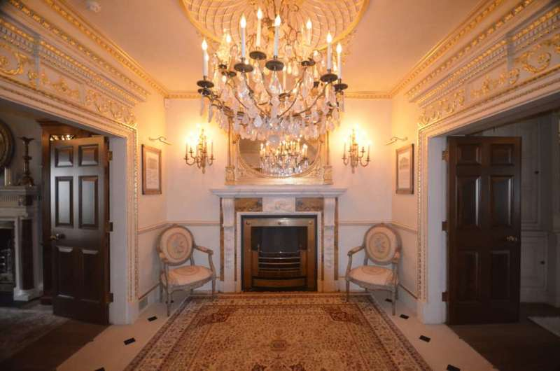 5 Bedrooms Town House for sale in Wilton Place, London