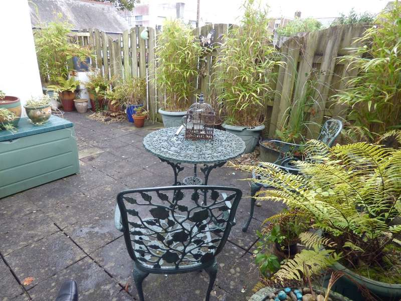 1 Bedroom Ground Flat for sale in Ridgeway, Plympton