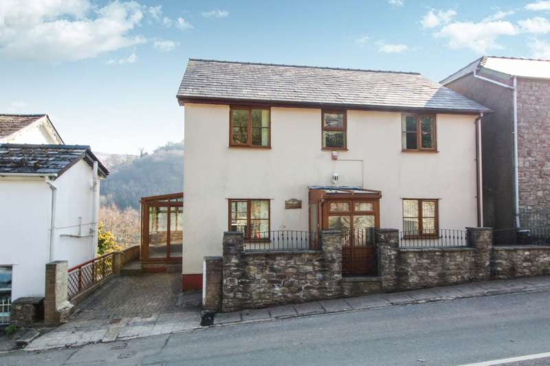 3 Bedrooms Detached House for sale in Clydach, Abergavenny, NP7